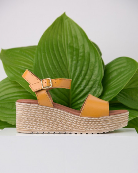 Kožne ženske sandale KT44 žute