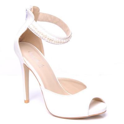 Bele sandale na štiklu LS0079