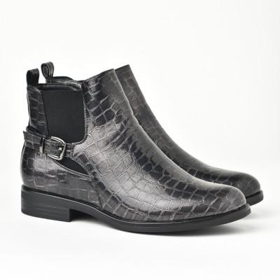 Lakovane poluduboke čizme LH601901 crne