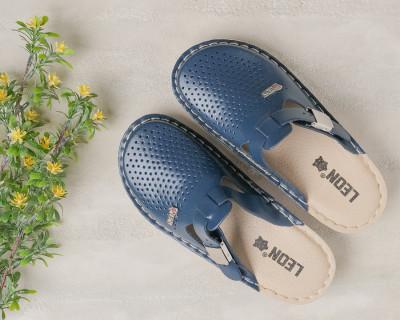 Kožne papuče/klompe V260 teget