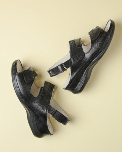 Kožne sandale na debelom đonu 1682 crne