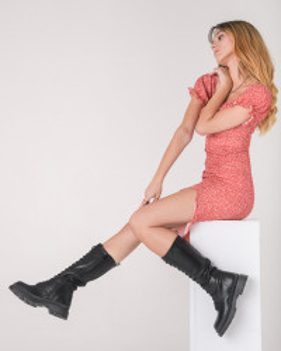 Ženske duboke čizme na pertlanje CA659 crne