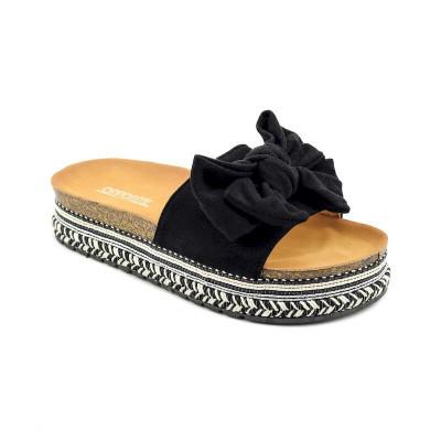 Ženske papuče na debelom đonu LP021251 crne