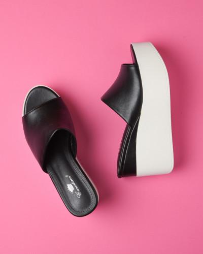 Ženske papuče na debelom đonu WL3073 crne
