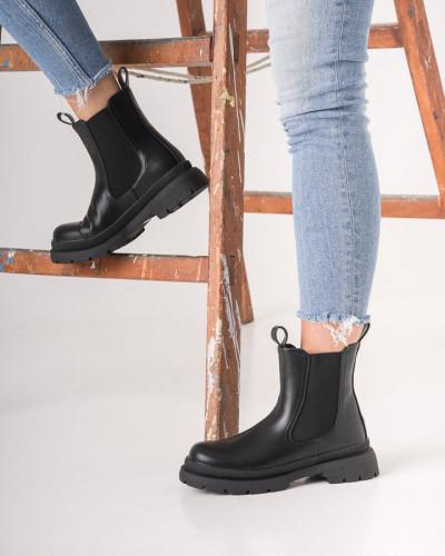 Ženske poluduboke čizme CA660 crne