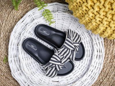 Ravne papuče A3 crne