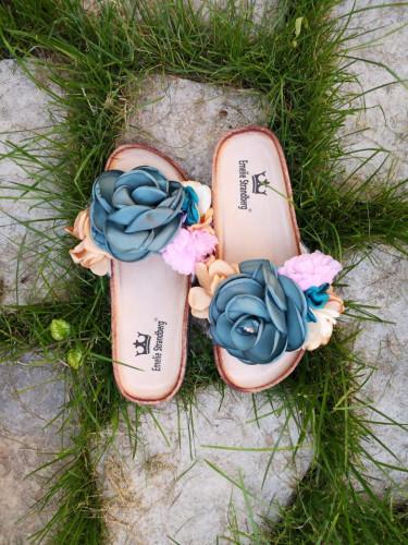 Ravne papuče A7 zeleni cvet