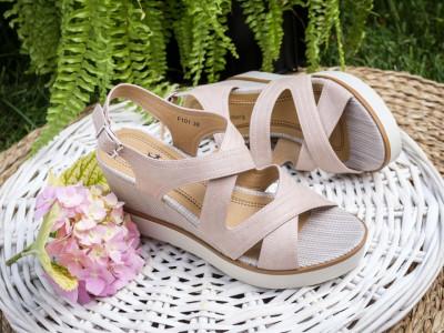 Sandale na platformu F101 roze