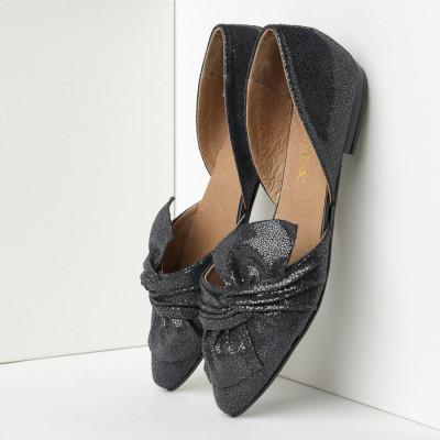 Kožne ženske ravne cipele J165 crne