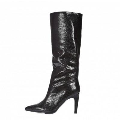 Ženske čizme na stiklu LX562026 crne