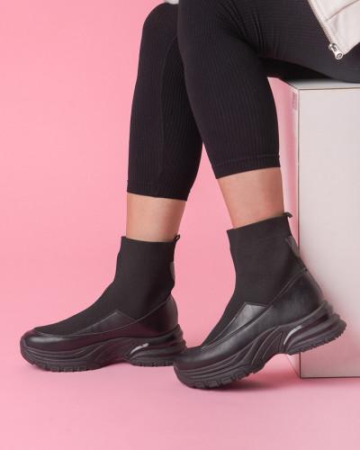 Ženske poluduboke čizme CA691 crne