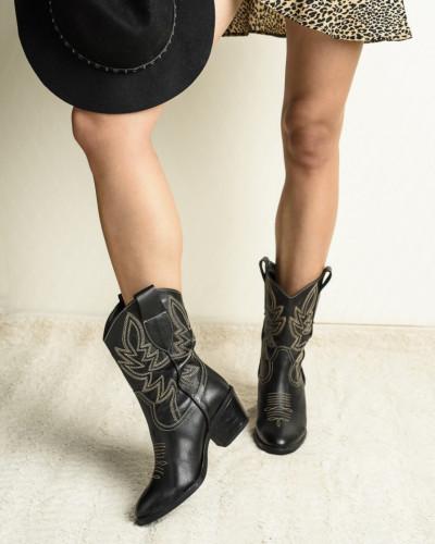 Ženske kožne kaubojke 16-124 crne