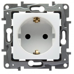 Priza Legrand 664529 Niloe, - Priza schuko 2P+T, standard german, cu protectie mecanica pentru copii, alba