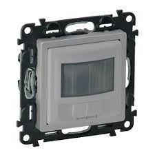 Senzor Miscare Legrand 752372 Valena Life - Senzor de miscare, cu derogare, fara neutru, 250W, aluminiu