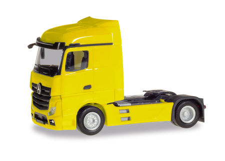 HERPA 1:87 - MERCEDES-BENZ ACTROS STREAMSPACE 2.5, YELLOW
