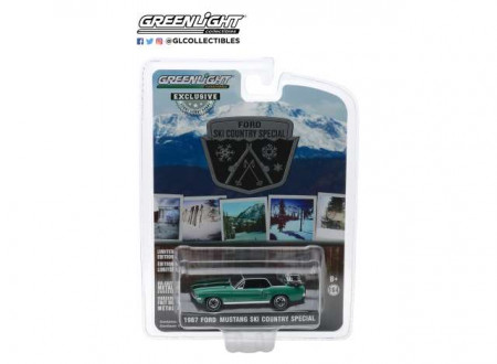 GREENLIGHT 1:64 - FORD MUSTANG COUPE 1967 *SKI COUNTRY SPECIAL*, LOVELAND GREEN WITH BLACK ROOF