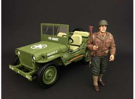 AMERICAN DIORAMA 1:18 - WWII USA SOLDIER #1 WITH RIFLE