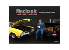 AMERICAN DIORAMA 1:24 - MECHANIC FIGURE JOHNNY DRINKING COFFEE