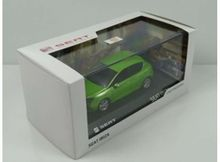 DEALER MODEL 1:43 - SEAT IBIZA IV 2008/2017 5 DOORS *IN SEAT DEALER PACKAGING*, FACE GREEN