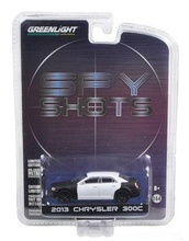 GREENLIGHT 1:64 - CHRYSLER 300 SPY SHOT 2013, 'HOBBY EXCLUSIVE'