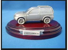 MAGAZINE MODELS 1:43 - LAND ROVER FREELANDER *TIN CLASSIC CAR COLLECTION*, SILVER