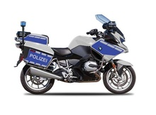 MAISTO 1:18 - BMW R1200 RT POLIZEI AUTHORITY, SILVER/BLUE