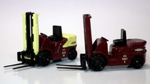 BASE TOYS MODELS 1:76 - FORKLIFT TWIN PACK - BRITISH RAILWAYS