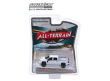 GREENLIGHT 1:64 - CHEVROLET SILVERADO 2017 RALLY 2 'ALL TERRAIN SERIES 8', WHITE WITH BLACK STRIPES