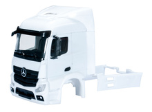 HERPA 1:87 - Mercedes-Benz Actros Streamspace 2.3 driver's cabin with side skirting (incl. rear-view mirror) grill comes separately Content: 2 pcs.