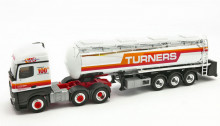 "HERPA 1:87 - Mercedes-Benz Actros Streamspace chromed tank semitrailer ""Turners"" (GB)"