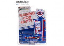 GREENLIGHT 1:64 - FORD ESCORT RS COSWORTH 1995 STP *RUNNING ON EMPTY SERIES 12*, BLUE/RED