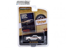 GREENLIGHT 1:64 - FORD MUSTANG 1980 *INTRODUCING A SPORTS CAR FOR THE 80'S. FORD MUSTANG* VINTAGE AD CARS SERIES 4