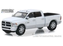 GREENLIGHT 1:64 - RAM 2500 BIG HORN HARVEST EDITION 'HOBBY EXCLUSIVE' 2018, BRIGHT WHITE AND BRIGHT SILVER
