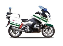 MAISTO 1:18 - BMW R1200 RT BRIGADA DE TRANSITO AUTHORITY, WHITE/GREEN
