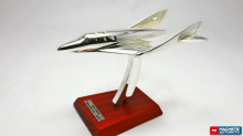 ATLAS 1:200 - VIRGIN GALACTIC 'SPACESHIP TWO' 2010, CHROME