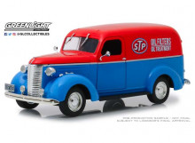 GREENLIGHT 1:24 - CHEVROLET PANEL TRUCK 1939 STP *RUNNING ON EMPTY*, BLUE/RED
