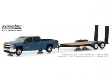 GREENLIGHT 1:64 - CHEVROLET SILVERADO 2018 1500 WITH FLATBED TRAILER *HITCH & TOW SERIES 15*