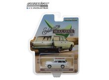 GREENLIGHT 1:64 - VOLKSWAGEN SQUAREBACK 'ESTATE WAGONS SERIES 1' 1965, LOTUS WHITE