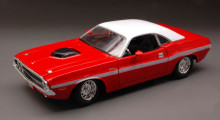 MAISTO 1:24 - DODGE CHALLENGER R/T COUPE 1970 RED/WHITE