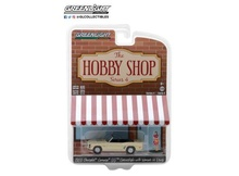 GREENLIGHT 1:64 - CHEVROLET CAMARO 1969 CONVERTIBLE WITH WOMAN IN DRESS *THE HOBBY SHOP SERIES 4*