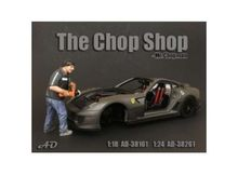 AMERICAN DIORAMA 1:24 - CHOP SHOP SET MR. CHOPMAN FIGURE