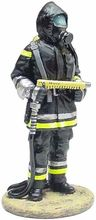 MAGAZINE MODELS 1:32 - FIREMAN - FIREDRESS - BERLIN GERMANY 2003