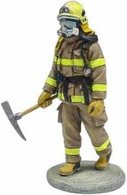 MAGAZINE MODELS 1:32 - FIREMAN - FIREDRESS QUEBEC -CANADA 2003