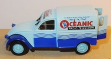 MAGAZINE MODELS 1:43 - CITROEN 2CV 'OCEANIC AZU', LIGHT BLUE/BLUE