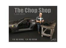 AMERICAN DIORAMA 1:24 - CHOP SHOP SET MR. FRABRICATOR FIGURE