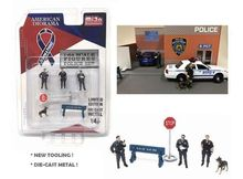 AMERICAN DIORAMA 1:64 - POLICE FIGURES + TOOLS