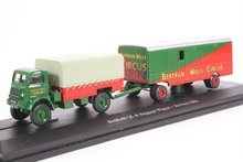 ATLAS 1:76 - BEDFORD QL & BAGGAGE WAGON BERTRAM MILLS CIRCUS, GREEN/RED