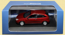 DEALER MODEL 1:43 - FORD FOCUS MK1 3DR 2002 - RED METALLIC
