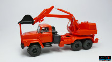 MAGAZINE MODELS 1:43 - KRAZ 260 AO-4421, RED