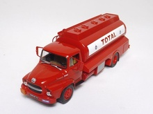 MAGAZINE MODELS 1:43 - UNIC M257 TOTAL, RED - 1965